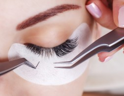 Eyelash,Extension,Procedure.,Woman,Eye,With,Long,Eyelashes.,Lashes,,Close