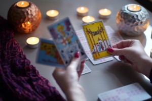 Moscow/russia-,April,2020:,Tarot,Card,Reader,Arranges,Cards,In,A